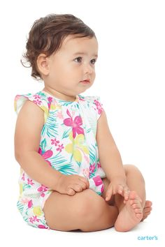 Love a little romper. Cute prints. Soft cotton. Simple snaps means easy 1-piece outfits and even quicker changes. The little details make getting dressed easy for mom and more comfortable for baby!