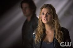 """The 100 -- """"Long Into an Abyss"""" -- Image: HU207a_0240 -- Pictured: Eliza Taylor as Clarke -- Photo: Cate Cameron/The CW -- © 2014 The CW Network, LLC. All Rights Reserved"""