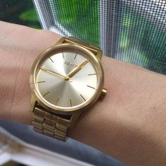 Nixon Small Kensington 11mm steel bracelet with stainless steel locking clasp. The 32mm case offers a feminine. This watch is in perfect working order, is lightly worn, and comes with all the original links and pins. Nixon Accessories Watches