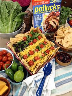 Cristina cooks Glenda Jarboak's recipe for Patriotic Taco Salad shares her very own Salsa Recipe! Cristina cooks Glenda Jarboak's recipe for Patriotic Taco Salad shares her very own Salsa Recipe! Appetizers For A Crowd, Finger Food Appetizers, Finger Foods, Cute Food, Good Food, Yummy Food, Gluten Free Recipes, Healthy Recipes, Healthy Food