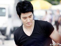 he is the best! Choi Siwon, Perfect Man, Singer, Actors, Model, Korean, Korean Language, Singers