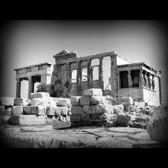 Cariátides #greece #architecture #arquitectura #bn #bw #blanckandwhite #blancoynegro #athens #acropolis