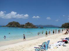 Baía Trunk, na Ilha de Saint John, nas Ilhas Virgens Americanas. Praia imperdível. Fotografia: http://www.aprendizdeviajante.com