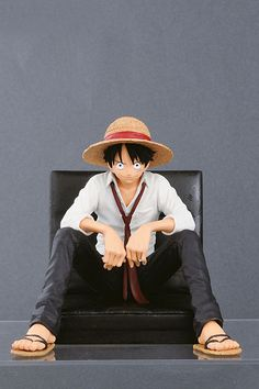 Estatua Luffy, One Piece 12 cm, Creator x Creator, Banpresto  Figura de 12 cm, del personaje de Luffy, pertenecientes al manga anime One Piece, creada por Banpresto.