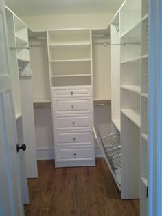 Small Closet Storage & Closets Design Ideas, Pictures, Remodel and Decor Small Closet Design, Walk In Closet Small, Small Closets, Closet Designs, Narrow Closet, Small Bedrooms, Closet Redo, Master Bedroom Closet, Closet Ideas