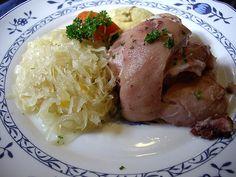 Eisbein Eisbein mit Sauerkraut from Gaststaette Stralsunder in Rostock - Flickr user Vincci Tsui