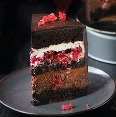 Chocolate Raspberry Cake - New ideas Easy Cake Recipes, Sweet Recipes, Dessert Recipes With Pictures, Russian Cakes, Chocolate Raspberry Cake, Cake Chocolate, Kolaci I Torte, Banana Dessert, Torte Cake