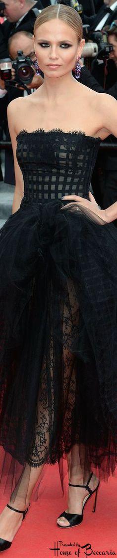 ~Natasha Poly wearing Oscar de la Renta in Cannes | House of Beccaria#