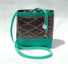 Green Glitter Vinyl Crossbody Bag Glitter Bag by KwaintAccessories Green Handbag, Green Bag, My Other Bag, Vegan Handbags, Glitter Vinyl, Green Glitter, Black Cross Body Bag, Black Handbags, Bucket Bag