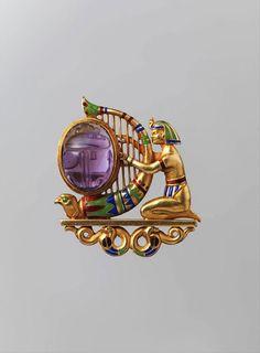 CGM Findings - Egyptian Revival Brooch Gold, amethyst, demantoid garnet, and enamel Theodore B. Starr c. Ancient Egyptian Jewelry, Egyptian Art, Egyptian Costume, Bijoux Art Nouveau, Art Nouveau Jewelry, Sea Glass Jewelry, Gold Jewelry, Enamel Jewelry, Crystal Jewelry