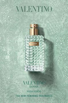 Valentino Parfums introduces a fresh and elegant new fragrance for women: Valentino Donna Rosa Verde. A scent radiating with freshness, captured in a luminous and unexpected collision of ingredients, Valentino Donna Rosa Verde reveals a new dimension within Valentino fragrances. #Women'sFragrance