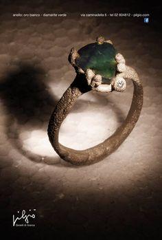 Pilgiò anello: oro bianco - diamante verde a goccia - diamantino