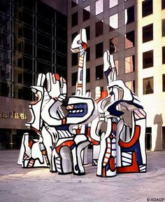 Jean Dubuffet - Monument au fantôme, epoxy resin with polyurethane paints, H. 10 m  Made in 1983 after a 1969 model  Interfirst Plaza, Houston, Texas