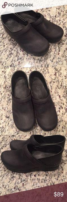 Dansko Used good condition Dansko Shoes