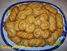 Greek Recipes, Wine Recipes, Greek Easter, Cheesecake Brownies, Easter Recipes, Easter Eggs, Cookie Recipes, Sausage, Biscuits