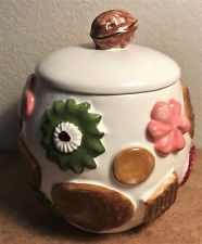 Vintage Los Angeles Potteries Cookie Jar w/ Walnut top Cookies all over, Cookie Jars, Crackers, Biscuits, Cookies, Living Room, Top, Beautiful, Vintage, Mugs