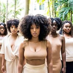Ideas for hair black power beleza Fit Black Women, Black Girls Rock, Beautiful Black Women, Black Girl Magic, Beautiful Oops, Beautiful Heels, Beautiful Pictures, Curly Hair Styles, Natural Hair Styles