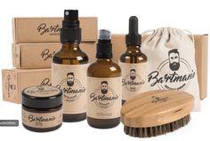 Hier kommt das ultimative Rundum-Sorglos-Paket für alle Bartträger, bestehend aus: Bartbürste, Bartshampoo (100ml), Bartöl (50ml), Styling-Gel (50ml) und Bartwuchsspray (50ml). Von der Reinigung bis zum Finish im Styling ist also alles dabei, was für einen rundum gepflegten Bart benötigt wird. The perfect beard care set! Styling Gel, Wish Gifts, Viking Beard, Thing 1, Best Gifts For Men, Grooming Kit, Beard Care, Bearded Men, Whiskey Bottle