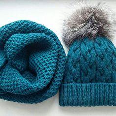 Как же приятно видеть такие великолепные работы мастериц, связаные по моим дизайнам, которые даже лучше оригиналов как этот изумительный комплект работы Галины @galinavolossatova (Кстати у нее в профиле и варежки к нему имеются ) #вяжутнетолькобабушки #вязанаяшапка #вязение #knit #knitting #i_loveknitting #instaknit #instagramknitters #knittinglove #knitting_inspiration #knitstyle #yarnaddict