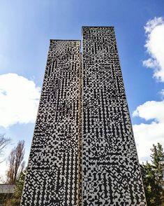 """""""Chvílemi jsem byl zděšen, kam jsem se to vlastně dostal. Brzy jsem si ale uvědomil, že jsem opět na počátku. Na topolech se chvělo listí a třpytila se řeka"""". -Zdeněk Sýkora . #zdeneksykora #art #architecture #letna #artinpublicspaces #praha #struktura #rastr #mozaika #umeni #mosaic #graphic #pattern Struktura, Praha, Skyscraper, Multi Story Building, Skyscrapers"""