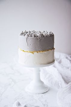Black Sesame and Matcha Cake Sweet Recipes, Cake Recipes, Dessert Recipes, Pretty Cakes, Beautiful Cakes, Food Cakes, Cupcake Cakes, Nake Cake, Matcha Cake