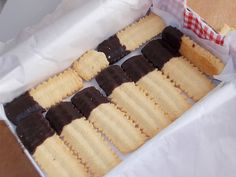 A megunhatatlan és egyszerű darálós keksz, ahogy én készítem! - Egyszerű Gyors Receptek Cookie Jars, Vanilla Cake, Nutella, Cheesecake, Food And Drink, Cookies, Crack Crackers, Biscuits, Cheesecakes