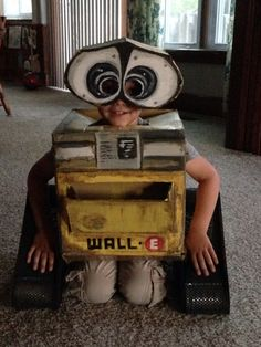 Homemade wall e costume my sister made out of a box! It is amazing!