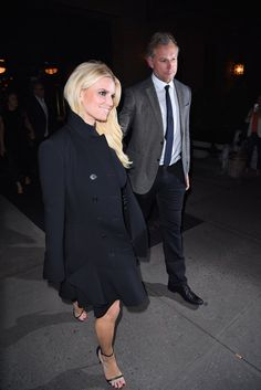 Pin for Later: Jessica Simpson and Eric Johnson Have a Sexy Night Out on the Town