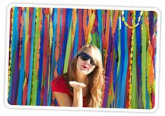 Guide to DIY Photo Booth Backdrops | Photojojo