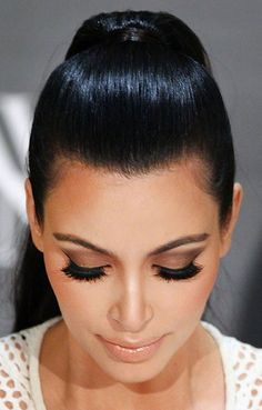 Kim Kardashion makeup #eyelashes #nudelips