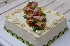Tarun Taikakakut: Kinuski-vadelmatäytekakku ja kinkkuvoileipäkakku Sandwich Cake, Sandwiches, Cheesecakes, Desserts, Foods, Savoury Cake, Savory Snacks, Recipes, Tailgate Desserts