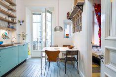 my scandinavian home: Eclectic Stockholm apartment Cozy Kitchen, Scandinavian Kitchen, Happy Kitchen, Swedish Kitchen, Aqua Kitchen, Narrow Kitchen, Eclectic Kitchen, Scandinavian Style, Bright Apartment