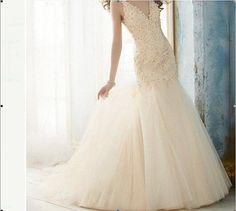 White / ivory handmade beaded applique wedding dress  par VEILDRESS, $188.00
