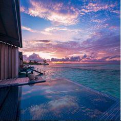 This is how we woke up on the Club Med Finolhu Villas!    ©:@danavilaphotography / Source Instagram