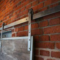 Drzwi przesuwne : Industrialne okna i drzwi od Reno sp z.o.o Barn Doors, Houses, Projects