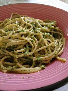Spaghetti integrali al pesto di rucola