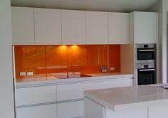 Kitchen glass splashback Orange - Google Search Glass Kitchen, New Kitchen, Kitchen Interior, Kitchen Dining, Kitchen Ideas, Orange Kitchen, Kitchen Colors, Kitchen Backsplash, Kitchen Cabinets