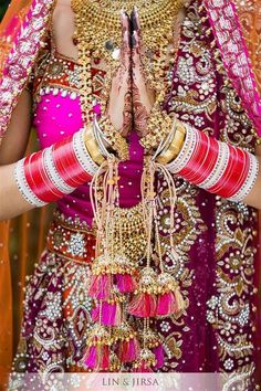 SOLAH SHRINGAR: ESSENTIAL ADORNMENTS FOR THE INDIAN BRIDE