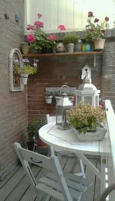 Cosy little balcony - I love how even a small space can be beautiful!