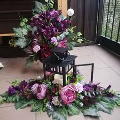 Lampion wkład stroik na cmentarz komplet Wołomin • OLX.pl Floral Wreath, Gardening, Wreaths, Flowers, Plants, Home Decor, Flower Arrangements, Room Decor, Flora
