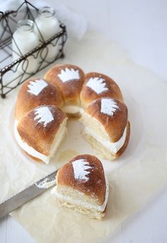 These sweet rolls are gorgeous, and on my to-do list. Sweet bread: Roscón de Reyes | LRF