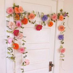 Felt Flowers, Diy Flowers, Fabric Flowers, Paper Flowers, Felt Diy, Felt Crafts, Diy And Crafts, Paper Crafts, Paper Flower Garlands
