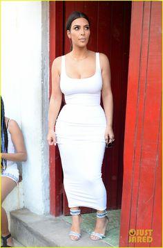 4c3d3c8f7a73 Kim Kardashian & Kanye West Continue Family Cuba Trip Kim Kardashian Kanye  West, Kardashian Jenner