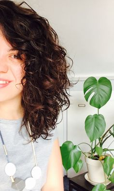 Natural curly hair and new necklace from #oliverbonas