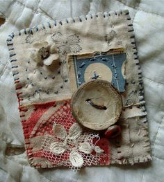 can use paper embellies if object is removable from purse. or combine fabric/paper on cards, tags. Art Textile, Textile Jewelry, Fabric Jewelry, Jewellery, Textiles, Embroidery Stitches, Hand Embroidery, Sewing Crafts, Sewing Projects