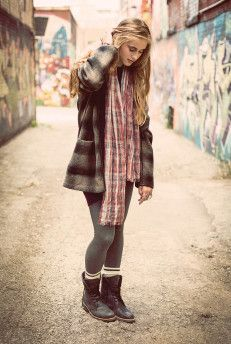 Roots Canada Grunge Looks Fall Winter Outfits, Winter Wear, Autumn Winter Fashion, Grunge Look, Grunge Girl, Roots Clothing, I Love Fashion, Fashion Ideas, Winter Wardrobe