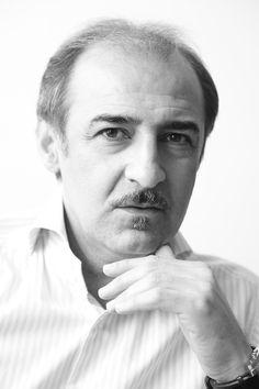 Dr.Alireza Sami Azar,the former curator of Tehran Museum of Contemporary Arts, Photo by: Onish Aminelahi #onish #onish_aminelahi #aminelahi #hamrang #graphic # poster #اونیش_امین_الهی #اونیش #امین_الهی #iranian_graphic_designer #iranian_photographer #onish.ir #persian_graphic #persian_graphic_designer
