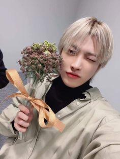 [📷] Our white day made of flowers 🌷 Vlive behind photo   8 bouquets made for a white day 💐💕 Thank you for being with us today 🍭🍬   Jung Woo Young, White Day, V Live, Kim Hongjoong, Guy Pictures, South Korean Boy Band, K Idols, Pop Group, Boy Bands