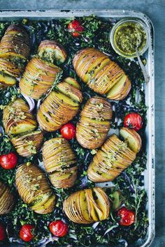 Hasselback Potatoes with Kale & Pesto — Green Kitchen Stories can find Kale and more on our website.Hasselback Potatoes with Kale & Pesto — Gree. Vegetarian Recipes, Cooking Recipes, Healthy Recipes, Delicious Recipes, Vegan Christmas Dinner, Christmas Parties, Christmas Treats, Xmas Dinner, Christmas Recipes