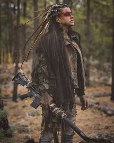 Dead West Art Mostly apocalyptic stuff, but damn these are some great costumes and characters Post Apocalyptic Costume, Post Apocalyptic Fashion, Post Apocalyptic Clothing, Post Apocalypse, Apocalypse Makeup, Apocalypse Costume, Apocalypse Survival, Wasteland Weekend, Estilo Hippie